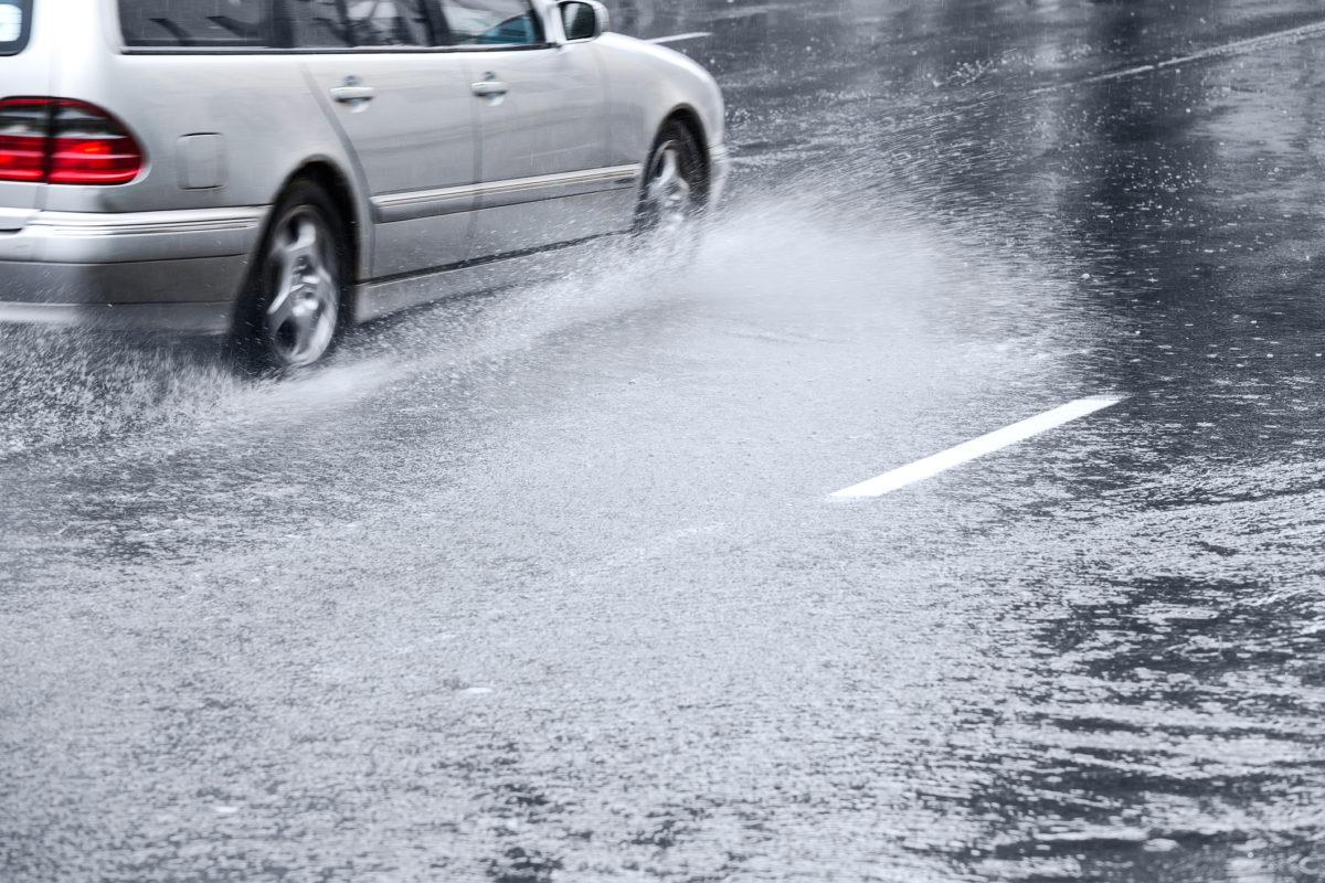 Chuva forte: cuidados ao volante