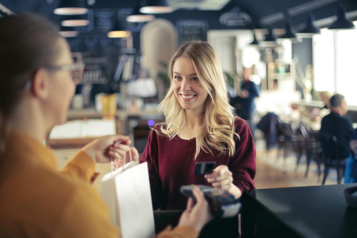 Cuidado com os cartões de crédito nas férias
